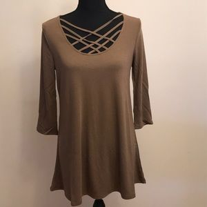 Brown cutout neckline tunic 3/4 sleeve